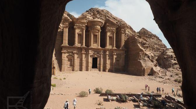 """""""Indiana Jones"""" i Petra, czyli świątynia Graala"""