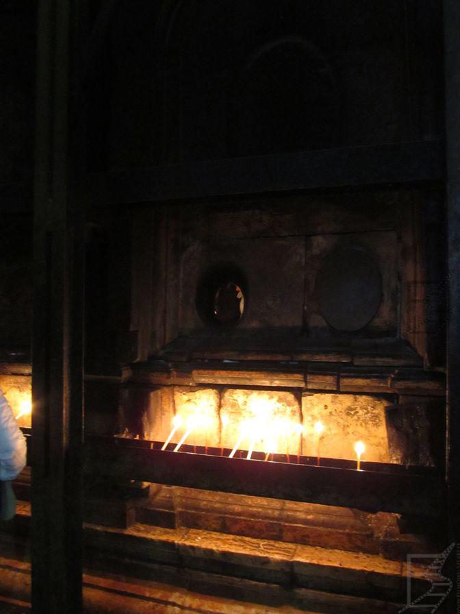Ogień przy grobie