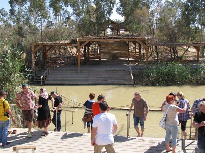 Odnowienie chrztu nad rzeką Jordan