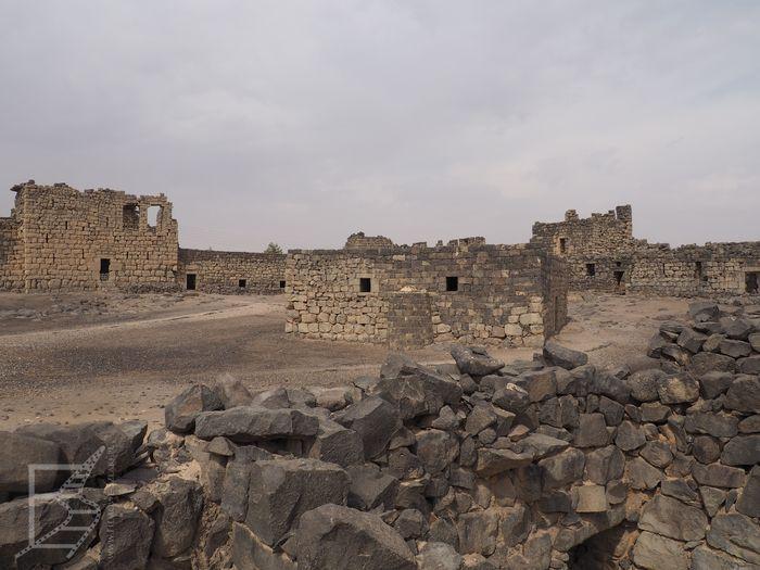 Qasr al-Azraq (Zamki pustynne Jordania)