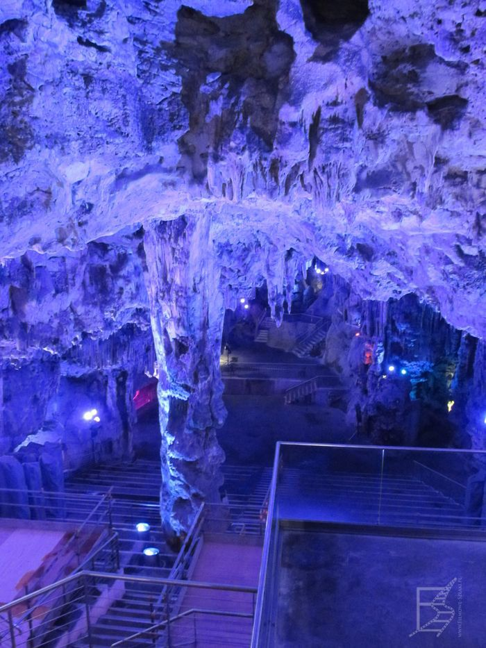 Oświetlone jaskinie