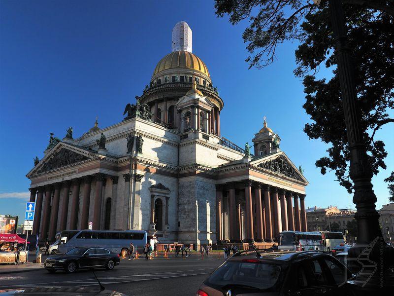 Sobór św. Izaaka (gdy zwiedzaliśmy było to muzeum, ale trwał proces przekazania tej świątyni Cerkwi)