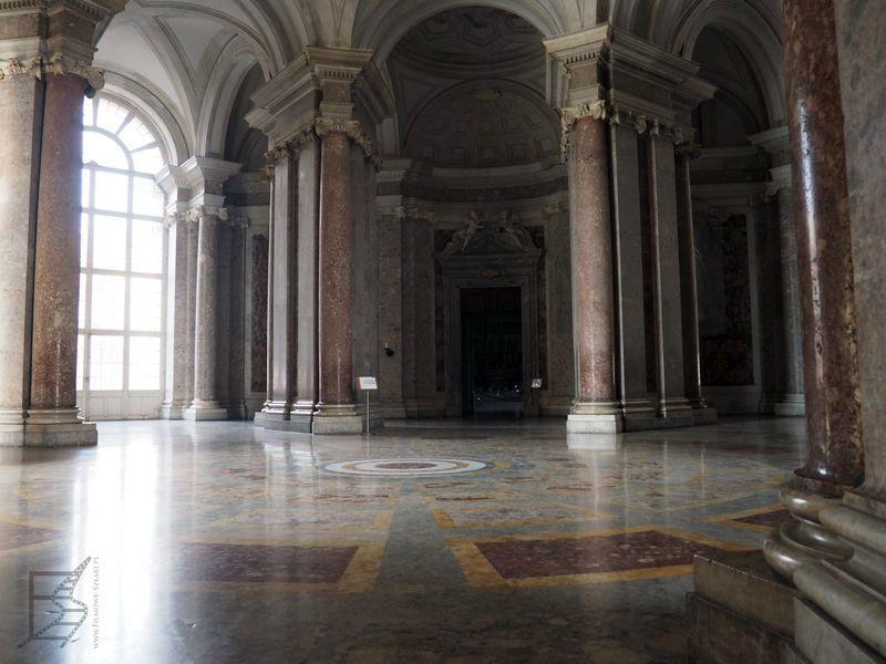 Hol Pałacu Królewskiego w Casercie (Naboo w SW)