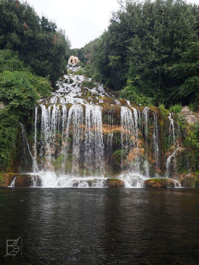 Wodospad w ogrodach Caserty