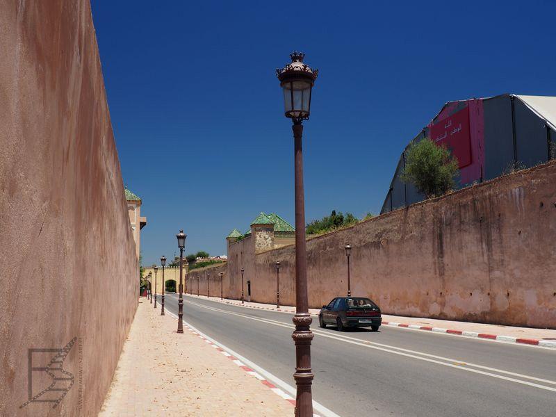 Mury blisko pałacu królewskiego