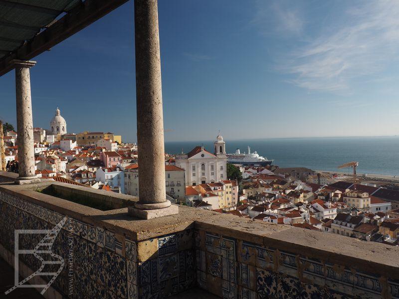Słynne azulejos i widok na Lizbonę