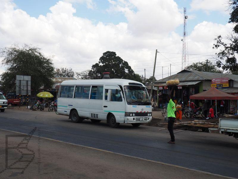 Lokalny autokar i handel przydrożny
