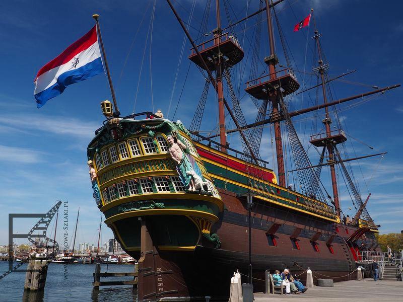 Replika okrętu Kompanii Wschodnioindyjskiej w muzeum morskim