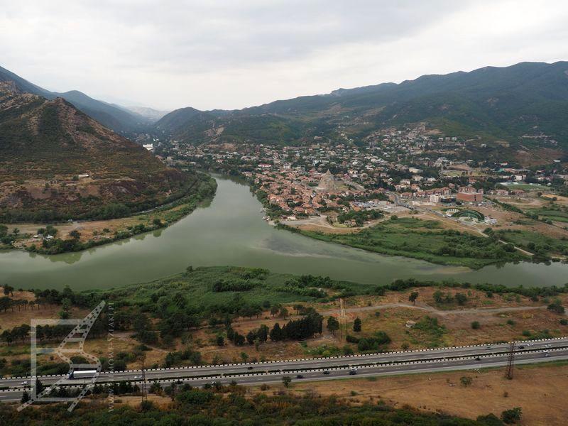 Mccheta i rzeka Kura, widok z monastyru Dżwari