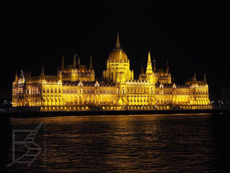 Parlament nocą (Budapeszt)