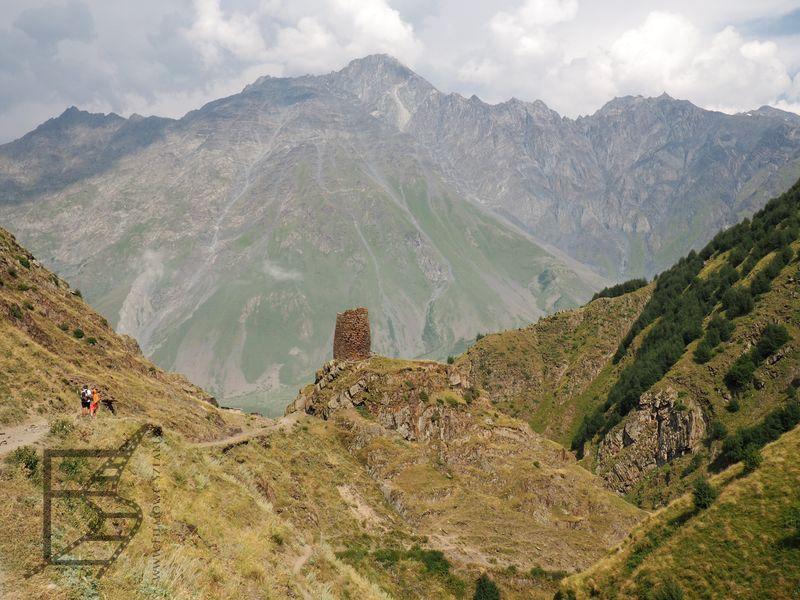 Droga z Kazbegi do Cminda Sameba