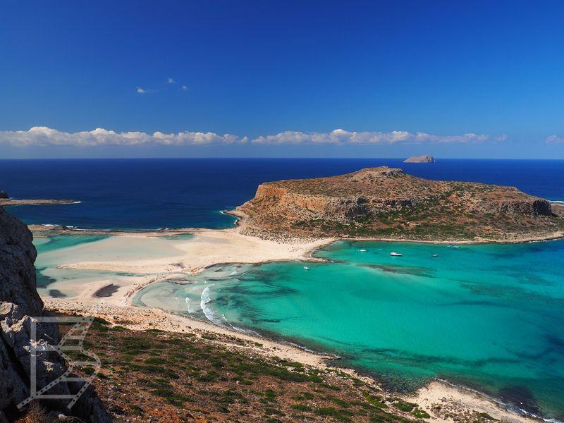 Widok na plażę i półwysep Tigani