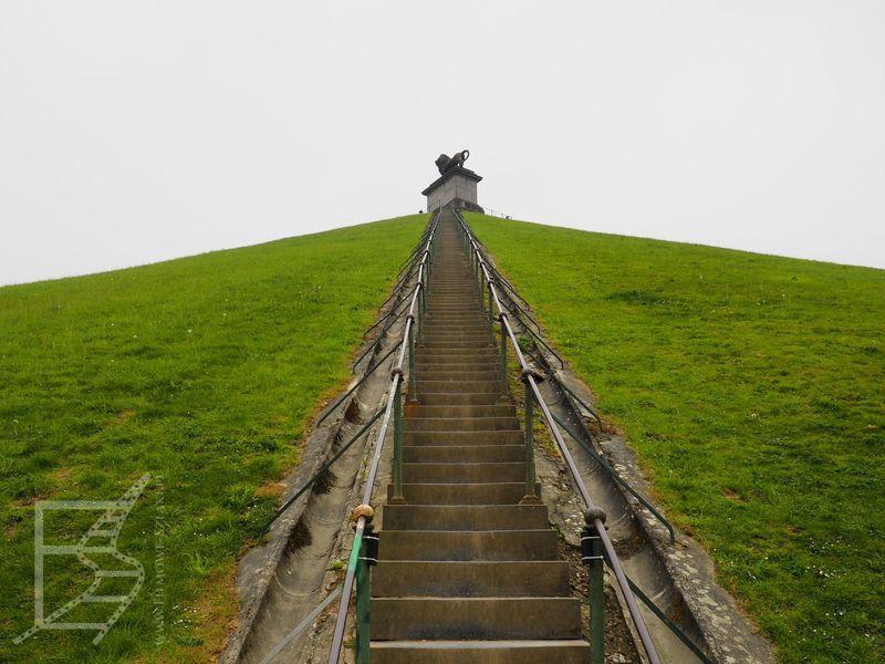 Wejście na szczyt kopca