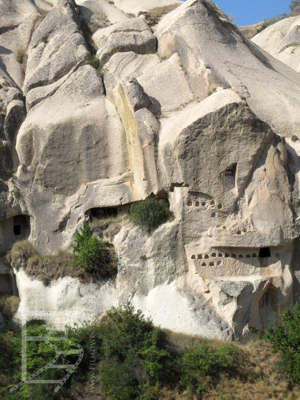 Goreme - tufowe formy skalne