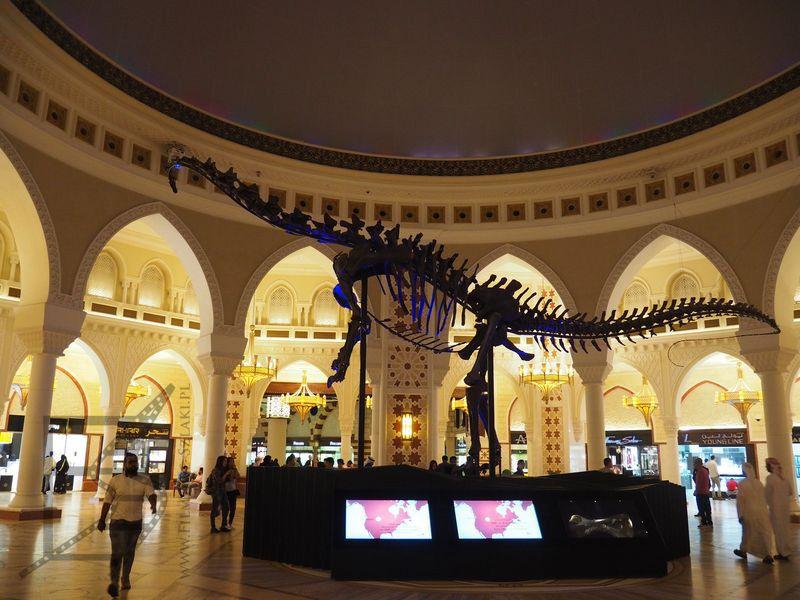 Diplodok w Dubai Mall