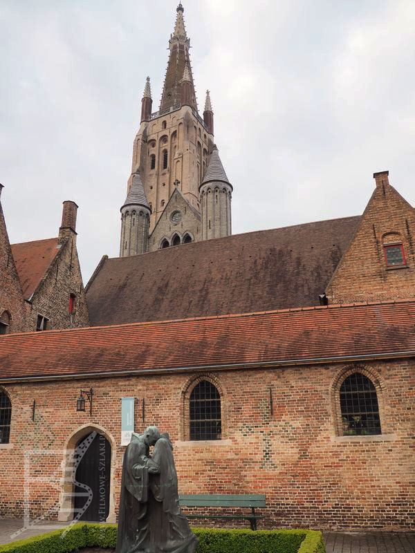 Wieża kościoła Najświętszej Marii Panny w Brugii