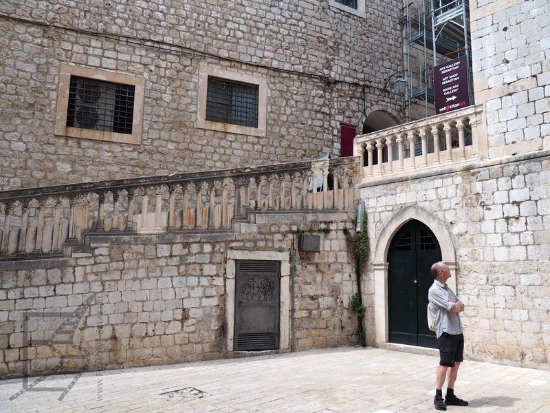 Wejście do klasztoru św. Dominika