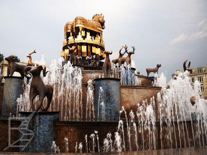 Kutaisi - fontanna Colchis
