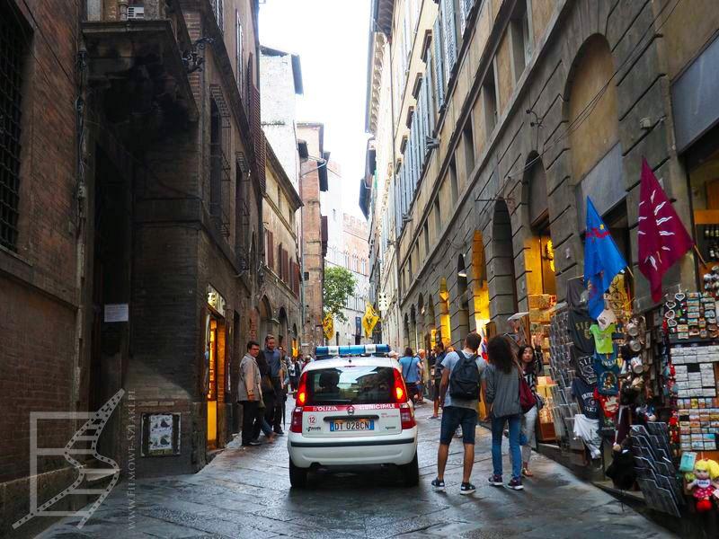 Wąskie uliczki Sieny