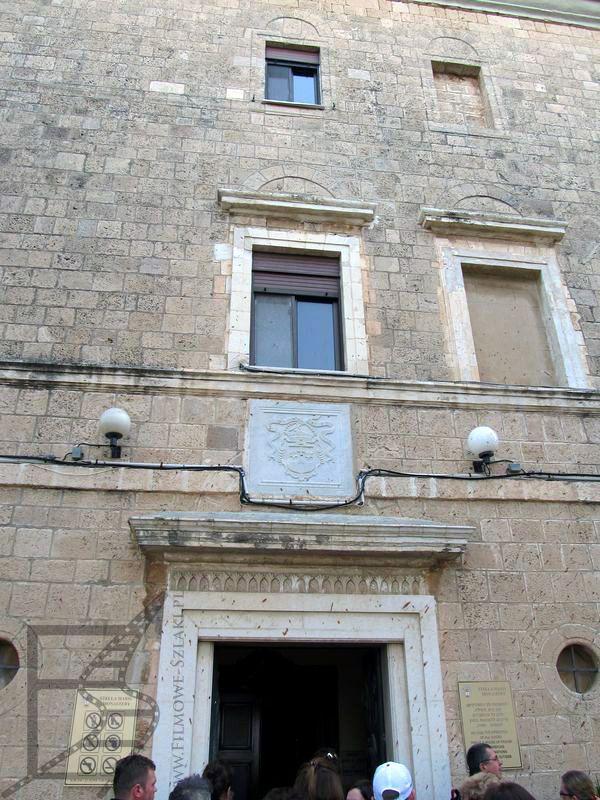 Wejście do kościoła Stella Maris na górze Karmel