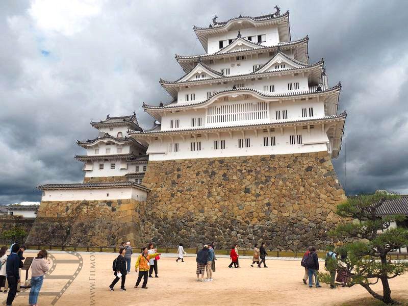 Zamek Himeji w całej okazałości