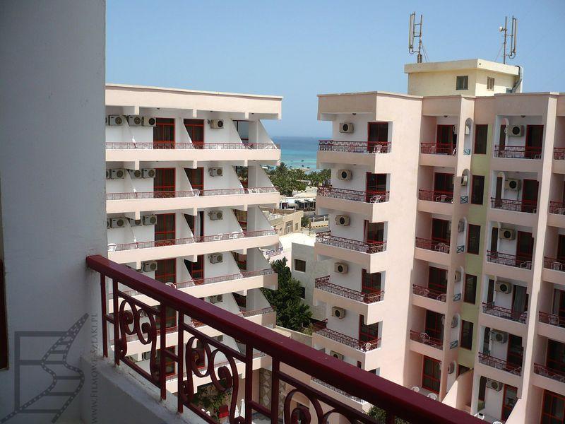 Wielkie hotele nad brzegiem Morza Czerwonego to typowy krajobraz Hurghady