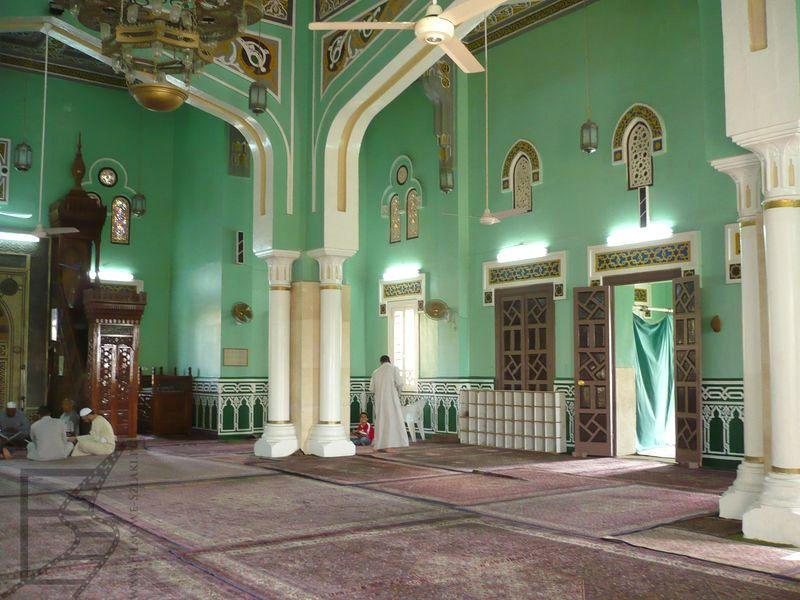 Wnętrze meczetu w Hurghadzie