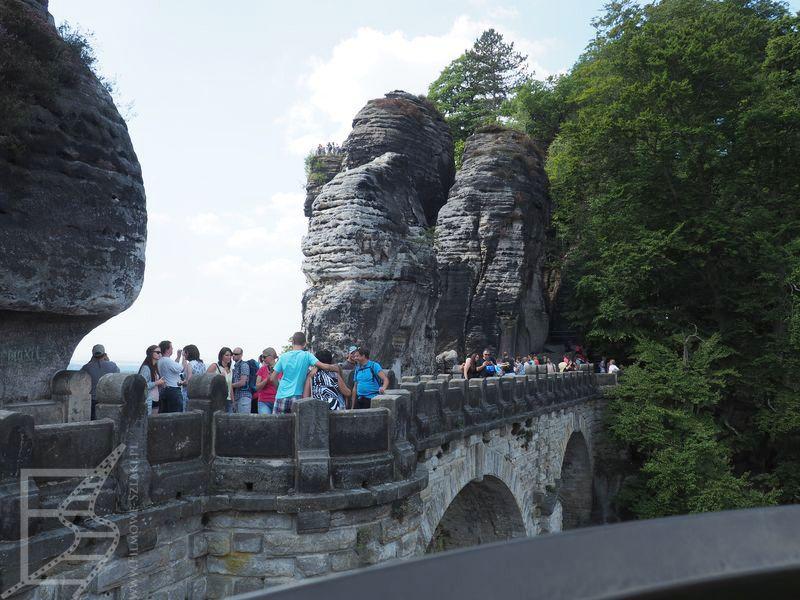 Most Bastei oblegany przez tłumy