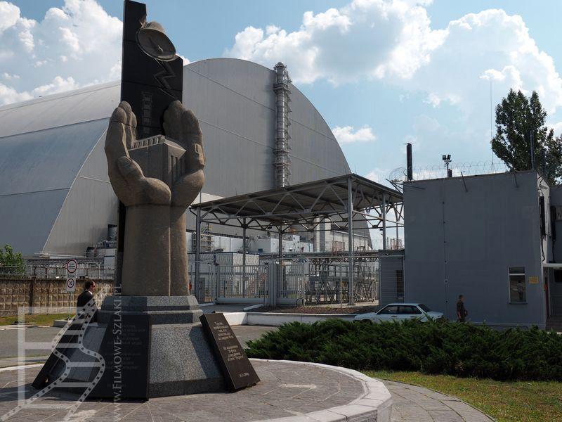 Arka nad sarkofagiem nad 4 reaktorem i kolejny pomnik