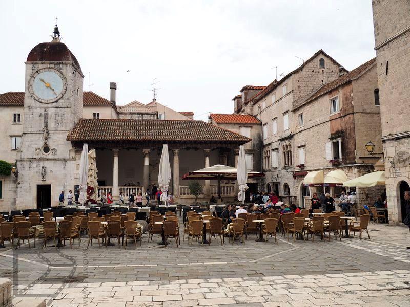 Loggia miejska i wieża zegarowa w Trogirze