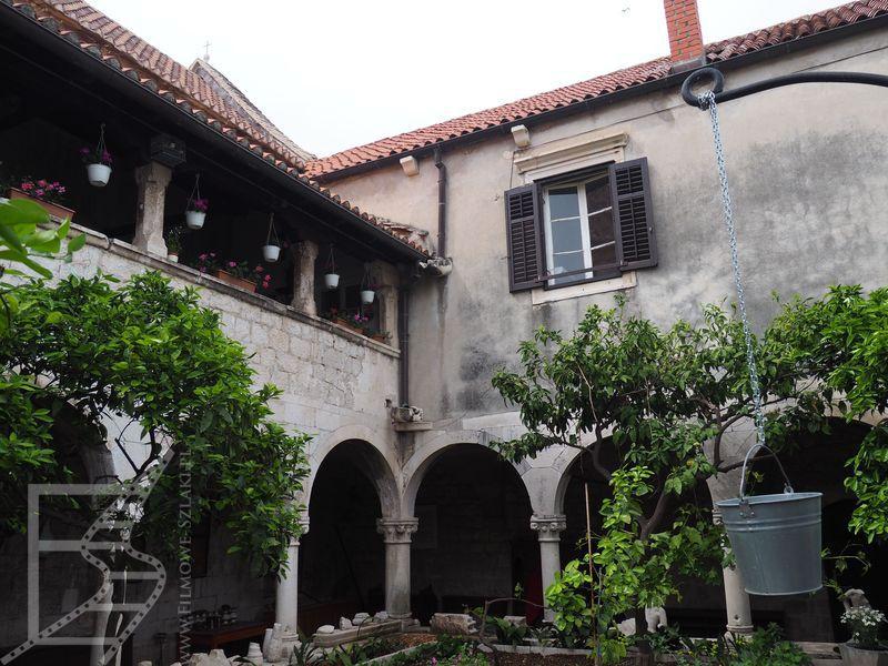 Klasztor świętgo Dominika w Trogirze