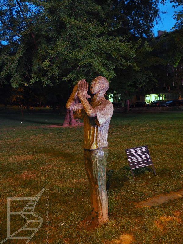 Jeden z wielu pomników upamiętniających zabite dzieci