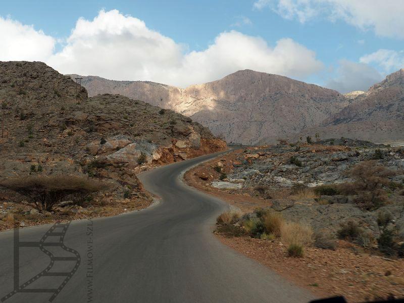 Asfaltowa droga na Dżabal Szams