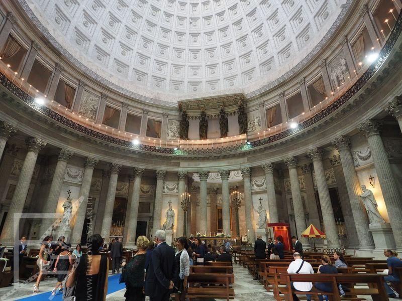 Wnętrze kościoła św. Franciszka (Neapol)