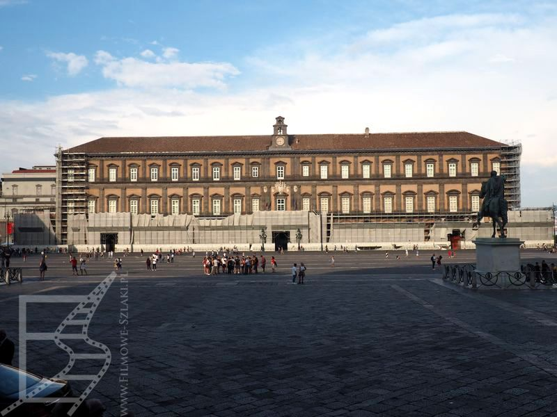 Neapol i pałac królewski
