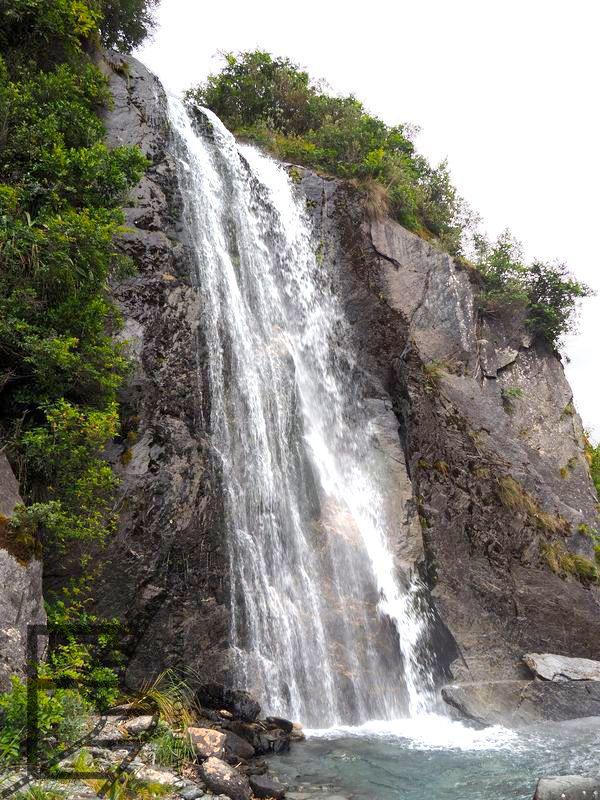 Wodospad przed lodowcem Franz Josef