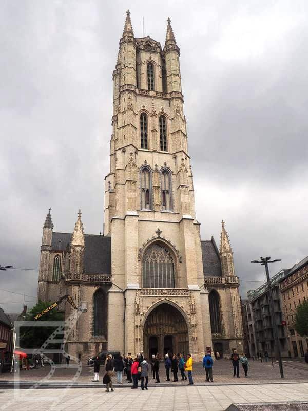 Wieża katedry w Gandawie