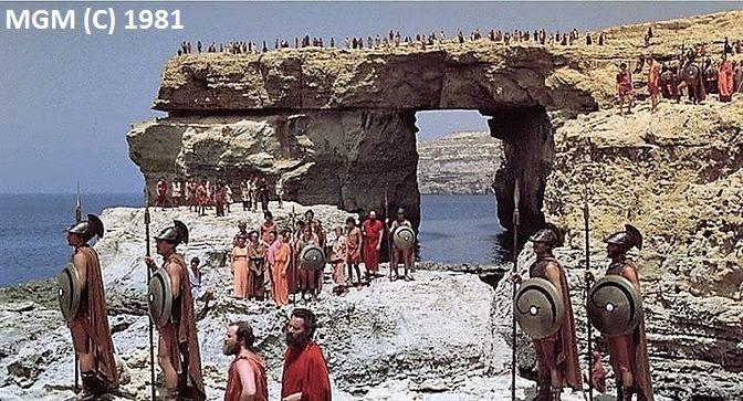 """""""Zmierzch Tytanów"""" (1981) i Lazurowe Okno"""