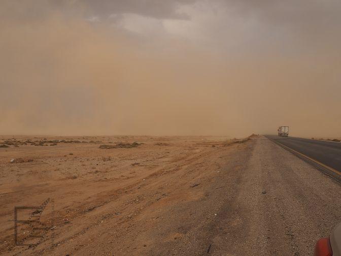 Burza piaskowa (Jordania na własną rękę)