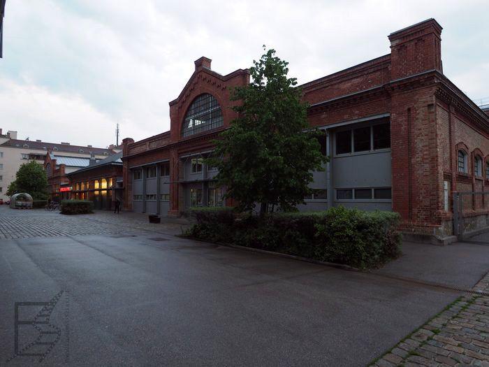 Stara zajezdnia tramwajowa, a dziś Eurospar na Kreuzgasse (w tym miejscu Wiedeń grał Bratysławę w Jamesie Bondzie)
