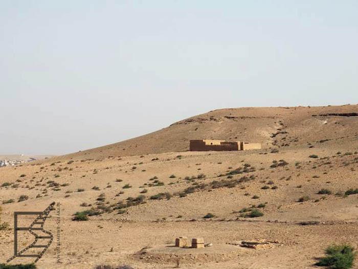 Krajobraz z okna samochodu podczas podróżowania po Maroko na własną rękę