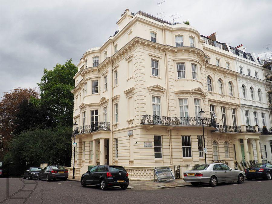1 Stanley Crescent, czyli dom Jamesa Bonda