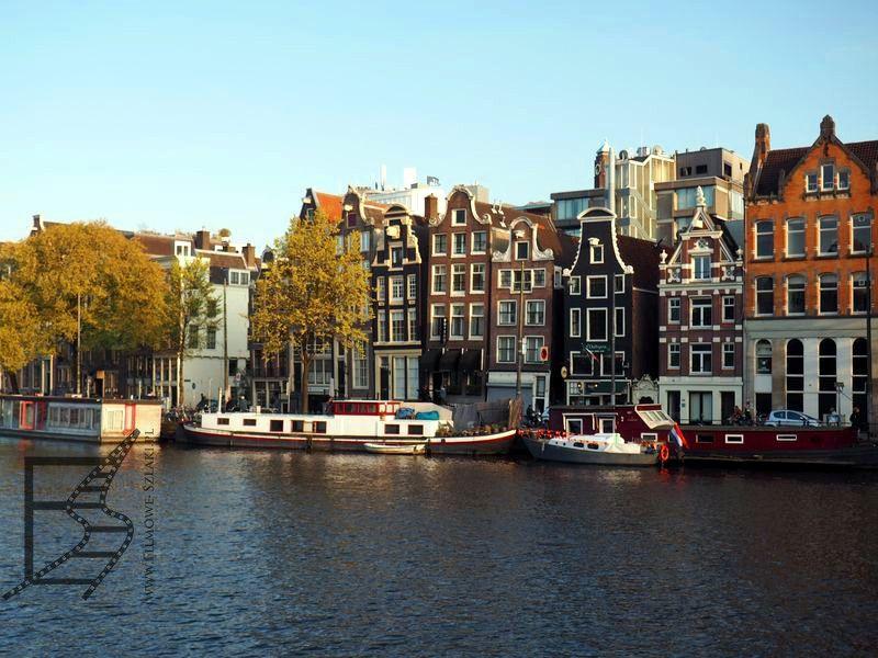 Tańczące domy, czyli najbardziej znane krzywe kamienice oraz kanały Amsterdamu