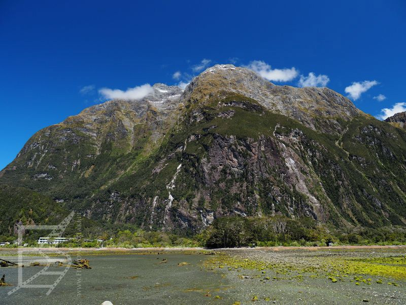 Początek Milford Sound (Park Narodowy Fiordland)