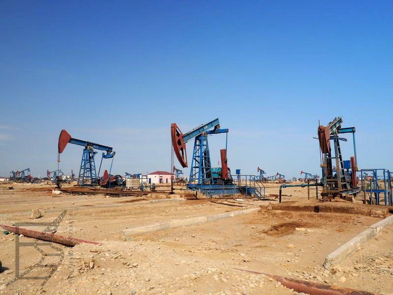 Tak zwane James Bond Oilfield (Baku, Azerbejdżan)