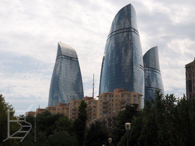 Ogniste wieże w dzień (Baku)