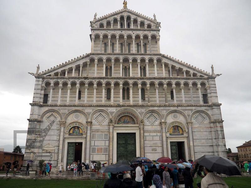 Fasada katedry (Piza)