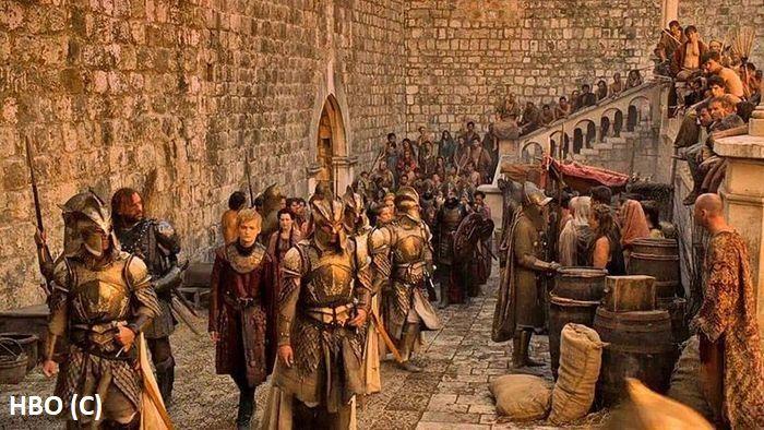 """Okolice bramy Pile (Dubrownik), lub Królewska przystań (""""Gra o tron"""")"""