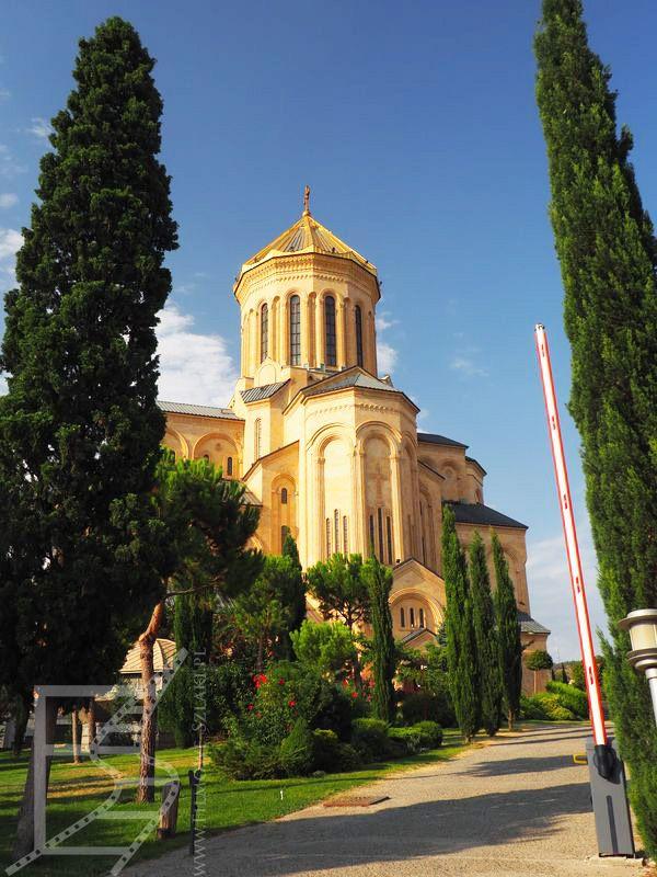 Sobór Trójcy Świętej (Tbilisi, Gruzja)