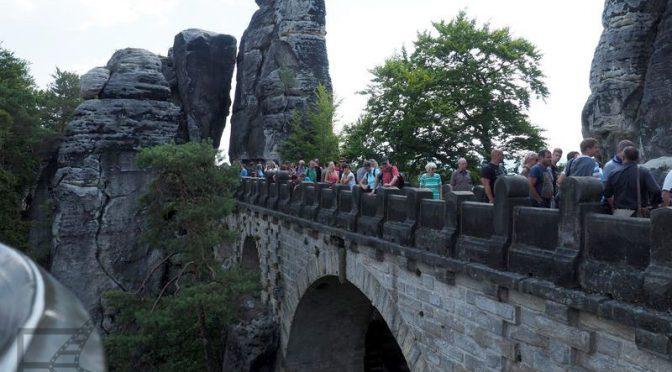 Bastei i Saksońska Szwajcaria, most wśród skał
